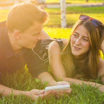 """A step-by-step guide to having the """"what are we"""" conversation with someone you're dating"""