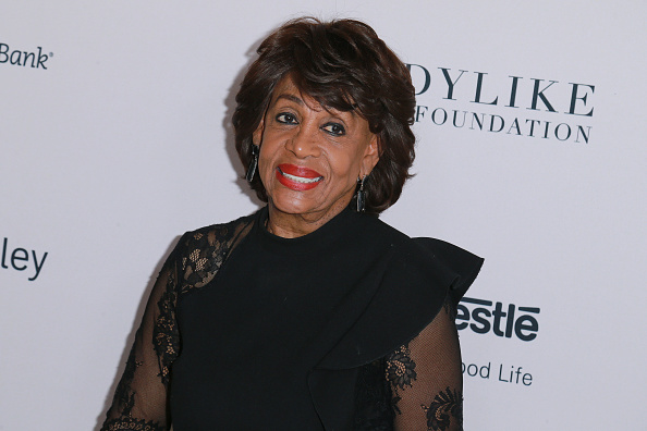 """Twitter thinks Congresswoman Maxine Waters and this """"Game of Thrones"""" fan favorite are basically the same person, and LOL"""