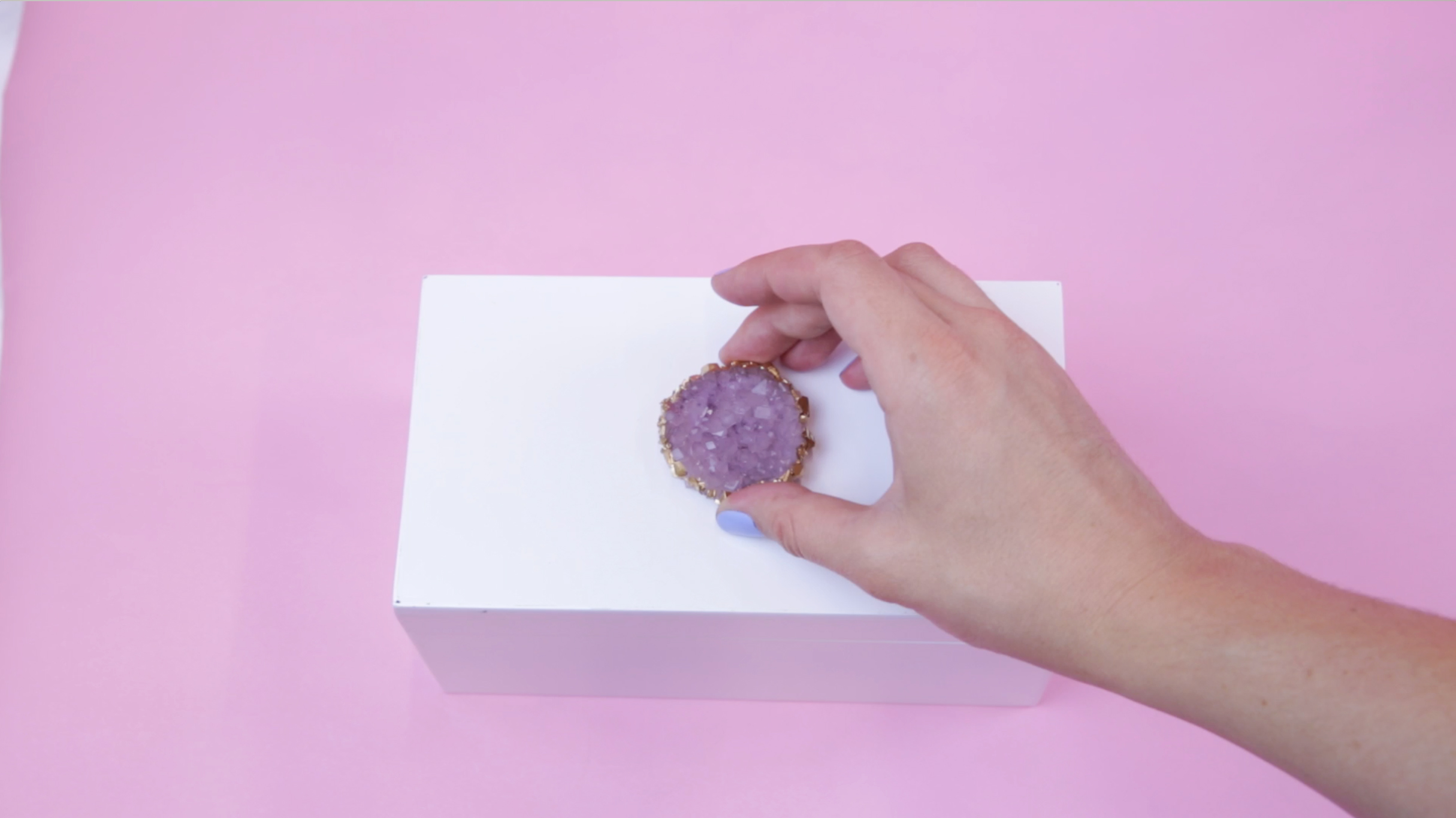 Give your diamonds a bed of luxury with this DIY geode jewelry box
