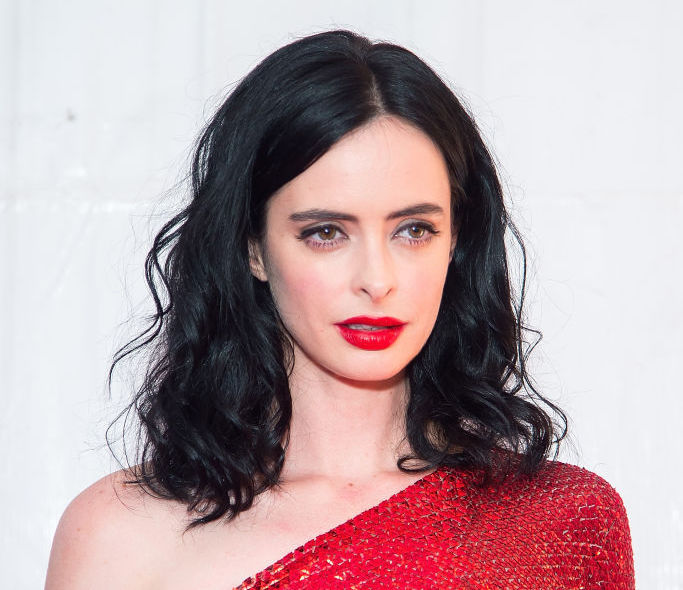 Krysten Ritter's red-hot dress makes it look like she's cosplaying as Elektra