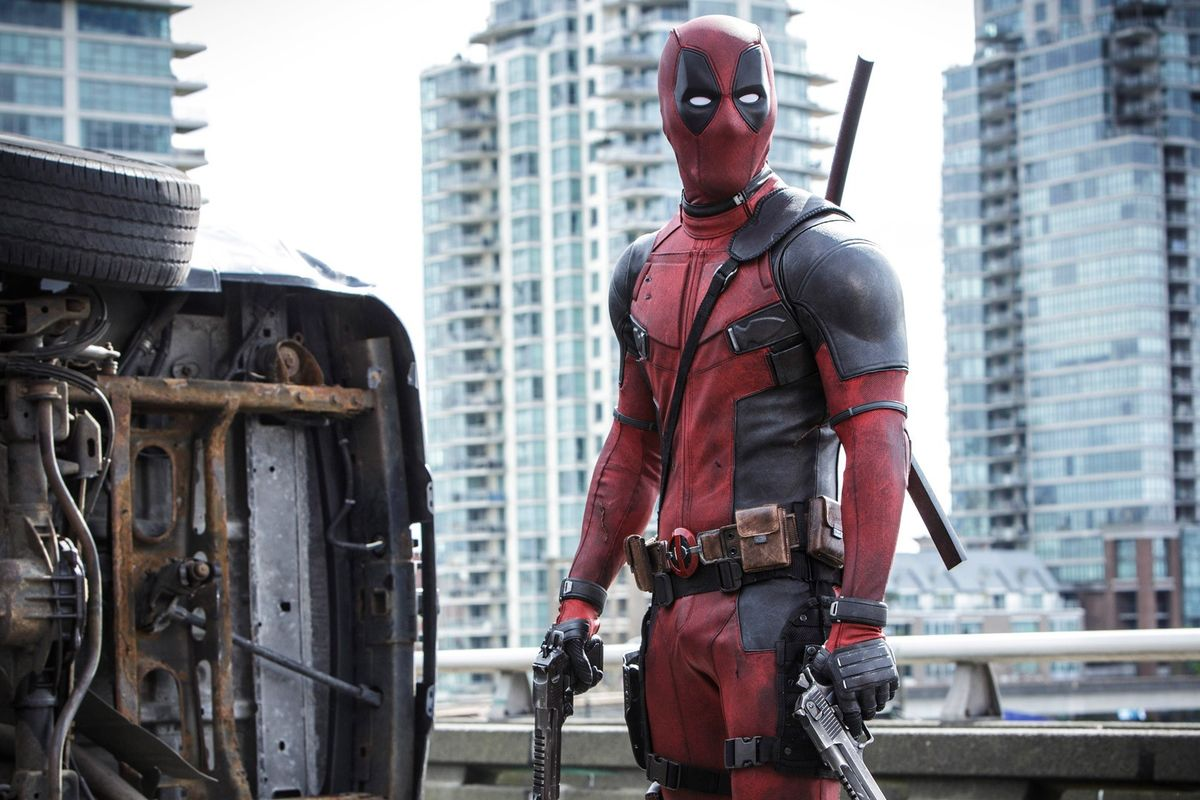 """Ryan Reynolds is currently ripped under his """"Deadpool 2"""" suit, in case you had any doubts"""