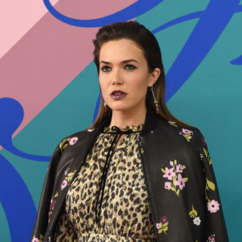 Mandy Moore's super-sized Victorian collar is a fashion risk we want to take