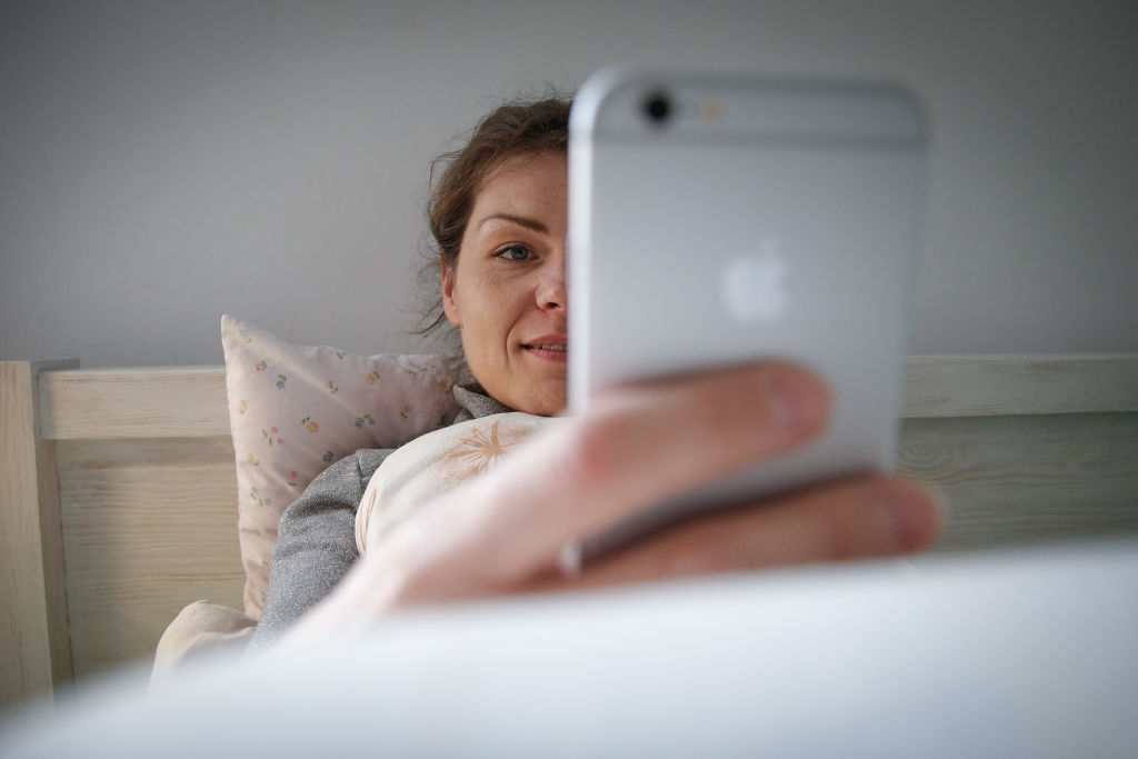 Science has given us a way to look at our phones at night without damaging our sleep