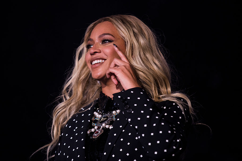 Beyoncé is all swag in this sexy-meets-streetwear date-night outfit