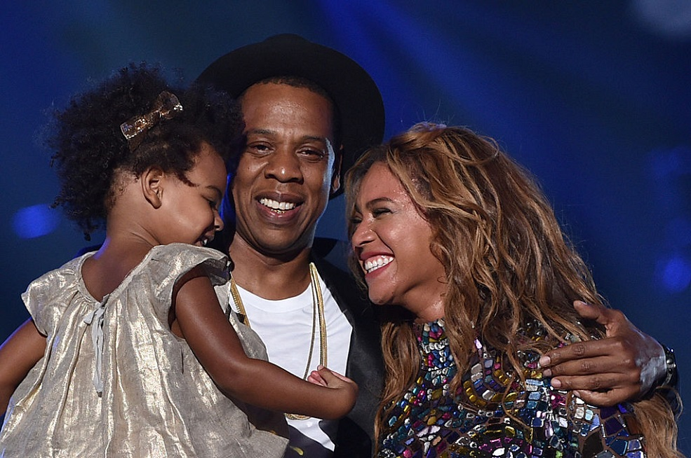 Beyoncé and Blue Ivy rocked out at a Kendrick Lamar concert, and we could watch the video all day