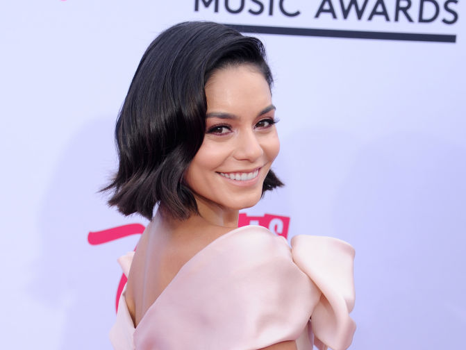 Vanessa Hudgens' new hair is giving us major Daenerys Targaryen vibes