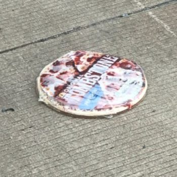 A truck accident left hundreds of pizzas scattered on a highway in Arkansas, and what a tragedy
