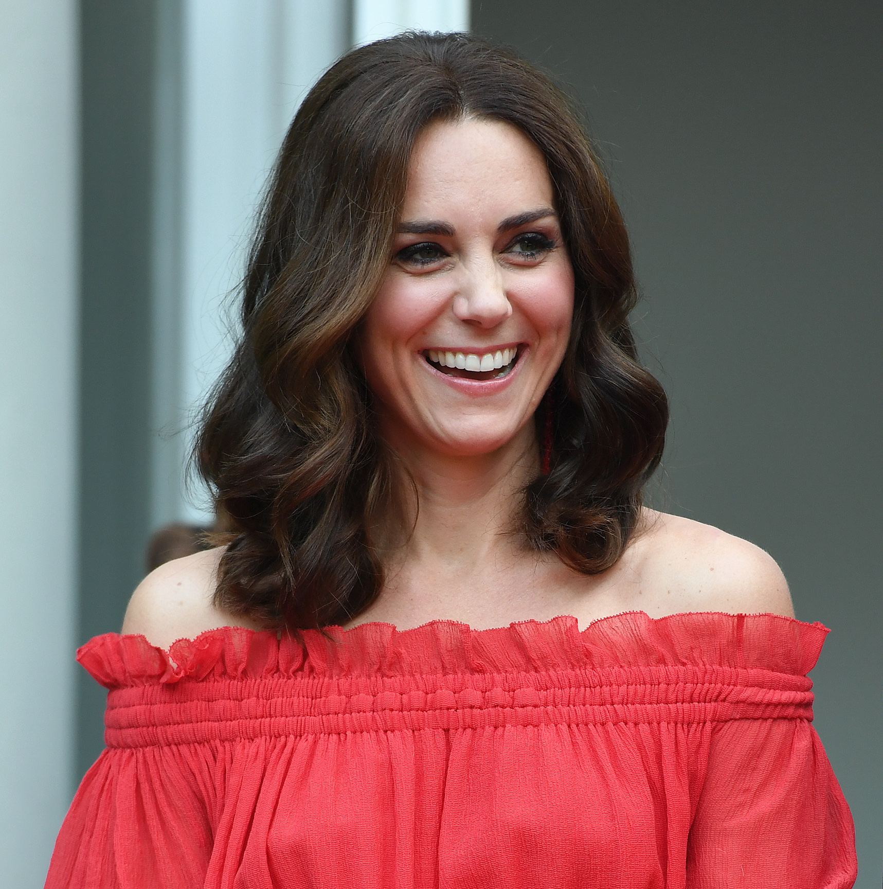 Kate Middleton's engraved necklace is a beautiful tribute to Princess Diana
