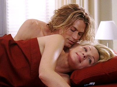Here's the best time of day to have sex, according to researchers — and tbh, we're surprised