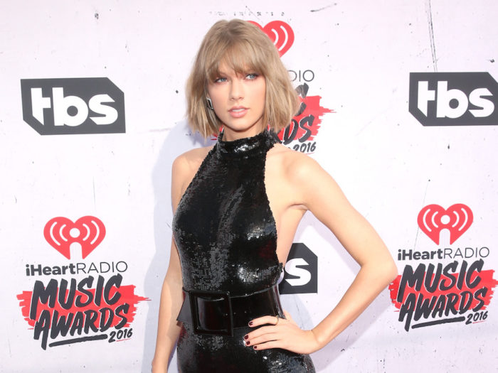 Judge Throws Out Fired DJ's Suit Against Taylor Swift