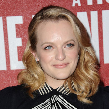 "Elisabeth Moss had a very interesting response to a fan who compared Scientology to ""The Handmaid's Tale"""