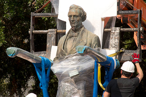 University of Texas at Austin started taking down Confederate statues last night