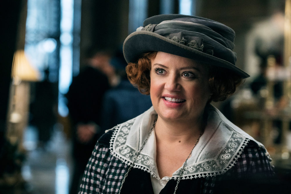 """Lucy Davis just told us what she kept from the """"Wonder Woman"""" set, and LOL"""