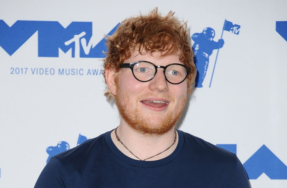 "Fans are obsessed with Ed Sheeran's ""adorably clueless"" VMAs acceptance speech"