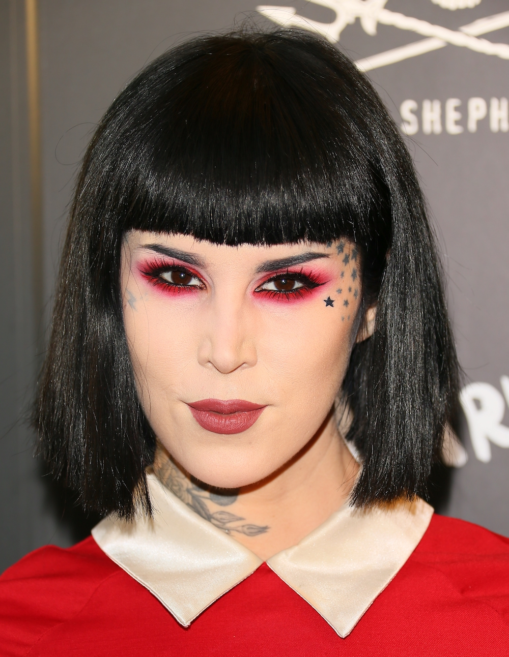 Kat Von D Beauty's new lipstick duo for the Everlasting Flash Sale will give your fall look some edge