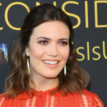 Mandy Moore got a black eye and stitches, and the pic is giving us sympathy pains