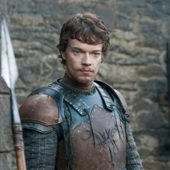 Alfie Allen just clapped TF back at a fan who made a joke at Theon's expense