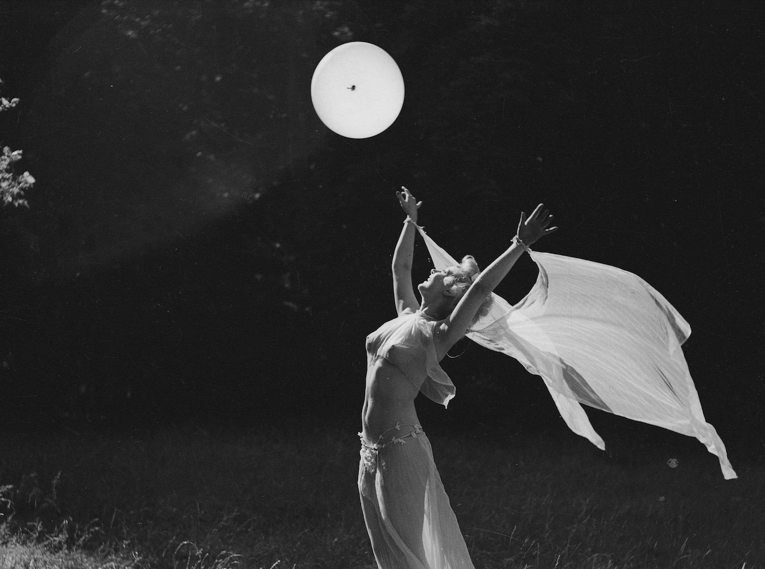 The Pisces Full Moon is asking you to swan-dive into your dreams