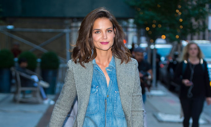 We know where you can buy Katie Holmes' easy, breezy denim jumpsuit
