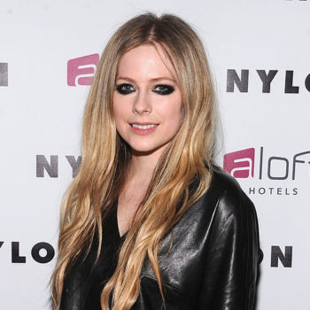Avril Lavigne performed with ex Chad Kroeger at a Nickelback show, is ex goals
