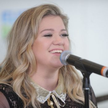 """Kelly Clarkson revealed the surprising inspiration behind her song """"Go High"""""""