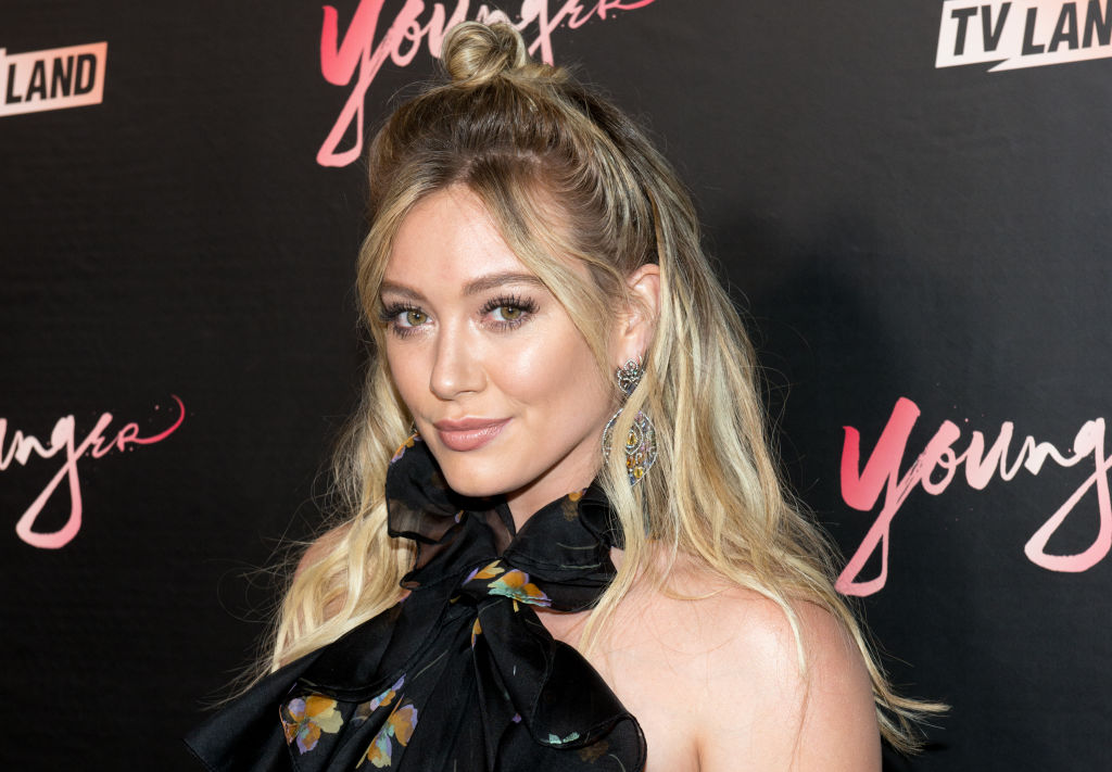 Hilary Duff just made an excellent case for wearing green velvet heels this fall