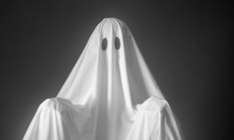 "There's a dating trend called ""haunting,"" and yes, it's different from ""ghosting"""
