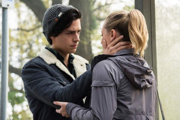 Cole Sprouse and Lili Reinhart rode in a hot air balloon, and #DateNightGoals