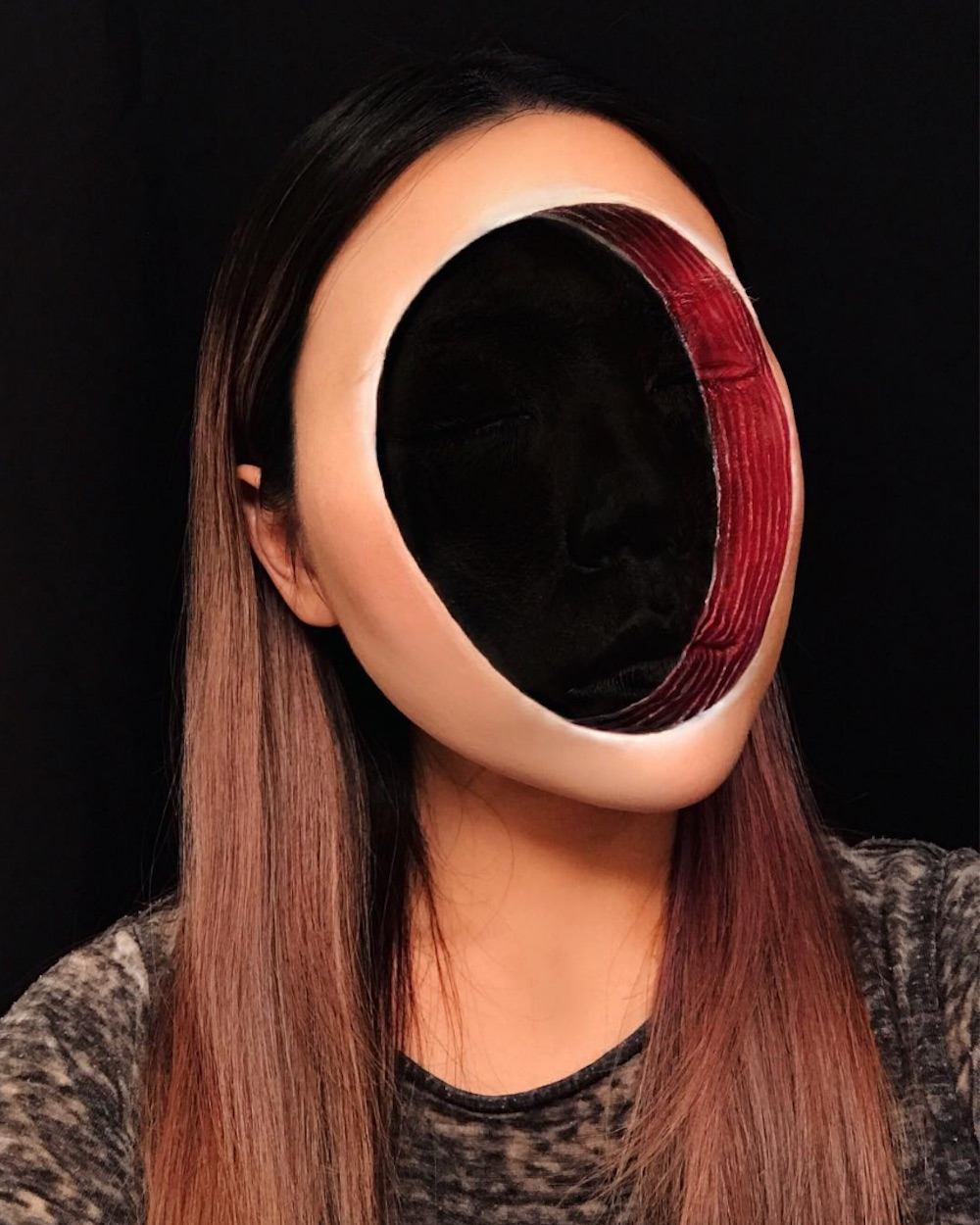 This faceless makeup tutorial is the stuff of nightmares