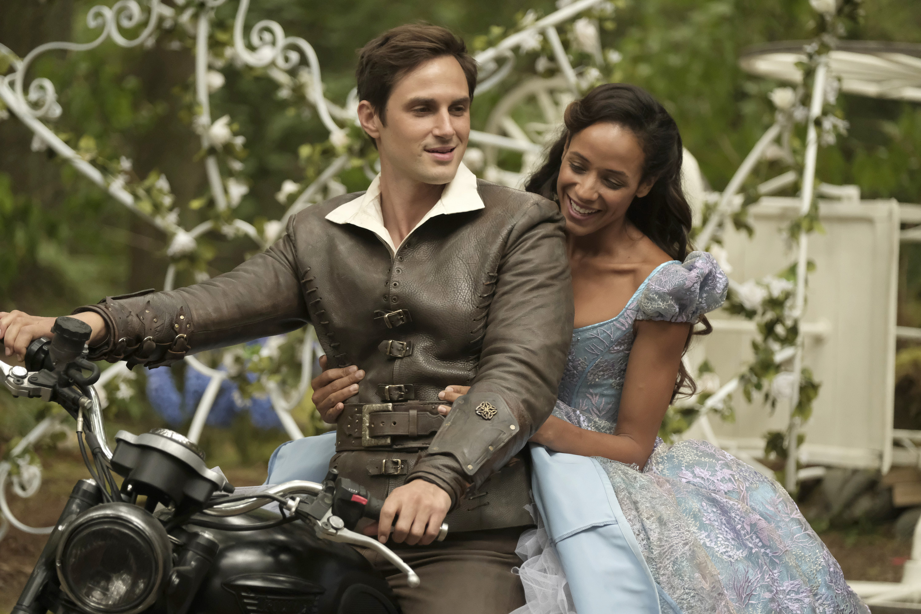 "There are a handful of new ""Once Upon A Time"" pictures, and TBH, I have no idea what this show is about anymore"