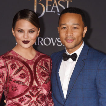 Chrissy Teigen hilariously shaded John Legend for not picking up his phone during last night's earthquake