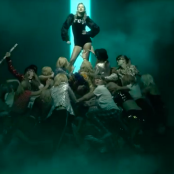 """Taylor Swift's """"Taylor Mountain"""" in the """"LWYMMD"""" video involved dozens of Taylor doppelgängers"""