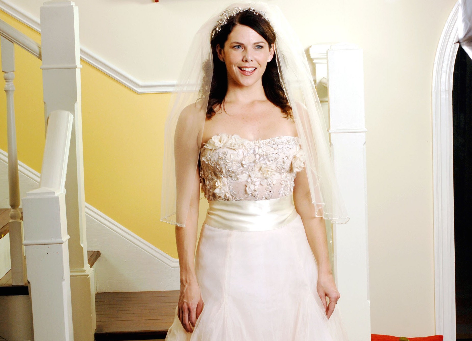 What nobody tells you about shopping for a wedding dress