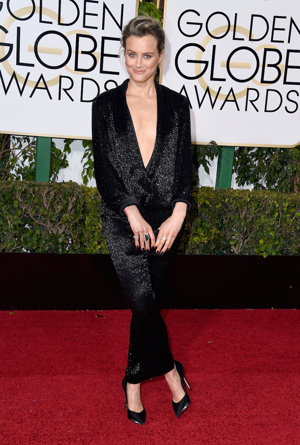Our favorite looks from the 2016 Golden GlobesTaylor Schilling Golden Globes 2016