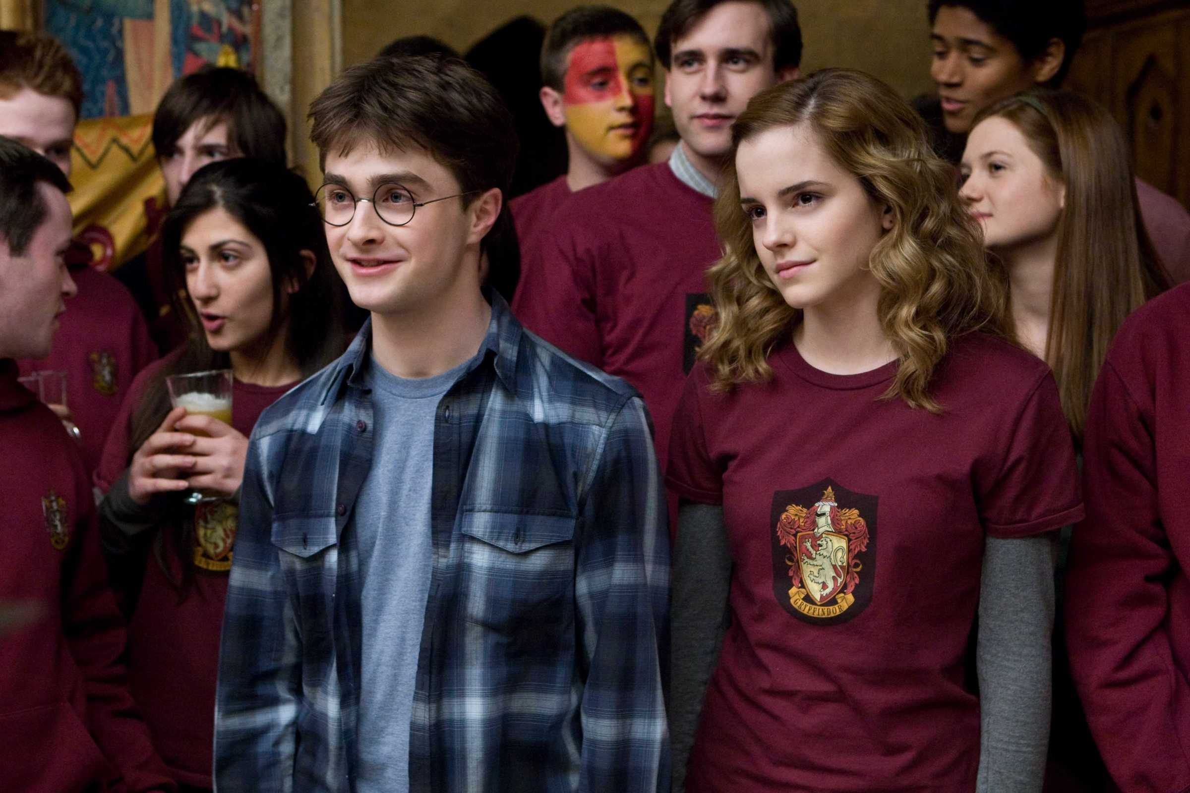 HP6D-08842r                                   (L-r) DANIEL RADCLIFFE as Harry Potter, MATTHEW LEWIS as Neville Longbottom, EMMA WATSON as Hermione Granger and BONNIE WRIGHT as Ginny Weasley in Warner Bros. PicturesÕ fantasy adventure ÒHarry Potter and the Half-Blood Prince.
