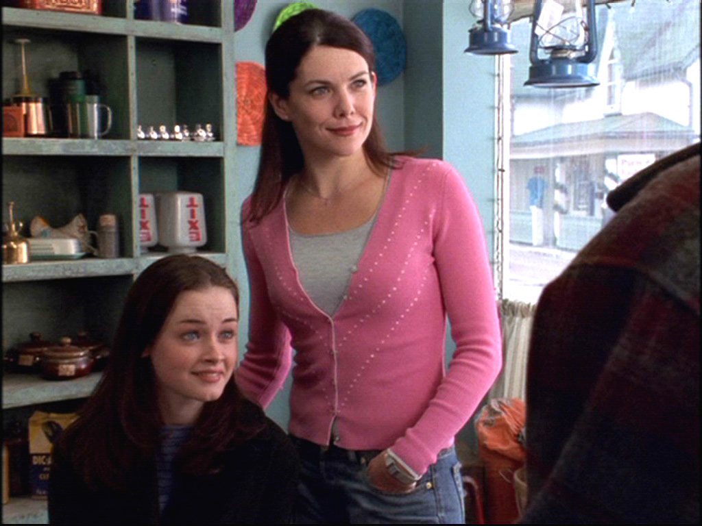 """There's an unaired """"Gilmore Girls"""" pilot and it's completely weird and different"""