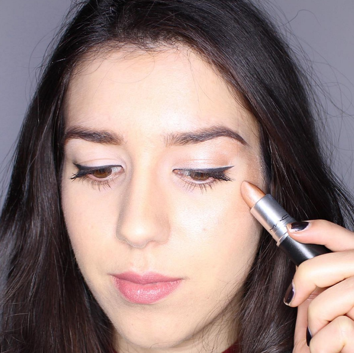 Chroming is a new beauty trend and it involves lipstick all over your face
