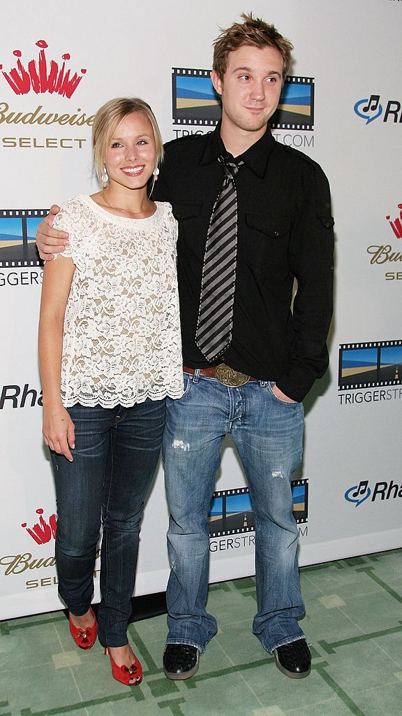 HOLLYWOOD - JUNE 15: Actress Kristen Bell and Sam Huntington attend the re-launch of Triggerstreet.com at the Social Hollywood on June 15, 2006 in Hollywood, California.  (Photo by Marsaili McGrath/Getty Images)