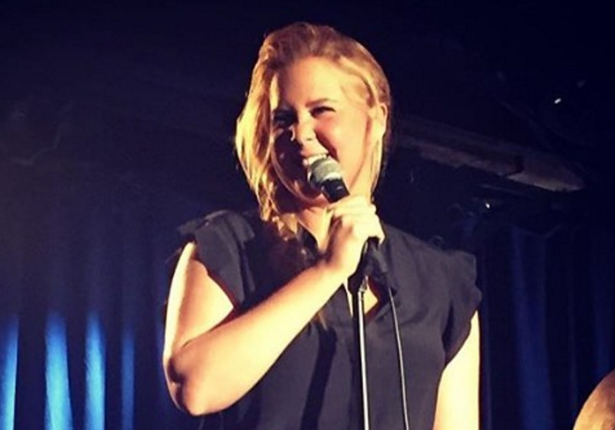 Guess how much Amy Schumer tips wait staff