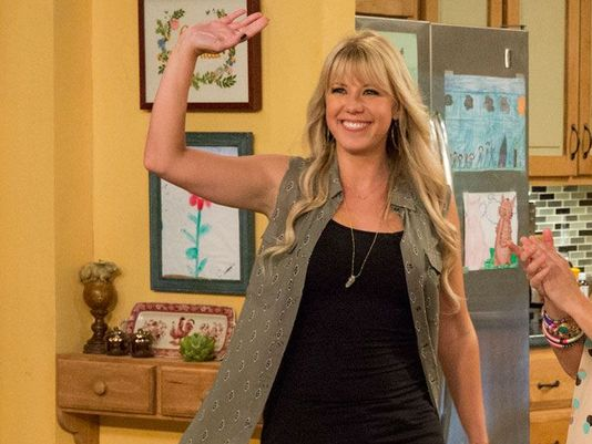 """""""Full House's"""" Jodie Sweetin opens about up her sobriety, inspires us all"""