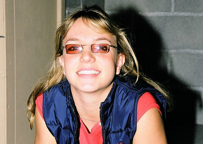 Britney Spears Looks Like The Most 90s Teenager In These