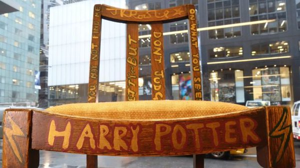 J.K. Rowling just sold her old writing chair for $394,000 and Twitter can't believe it