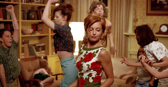 10 movies to watch on Mother's Day, that totally pass the Bechdel test