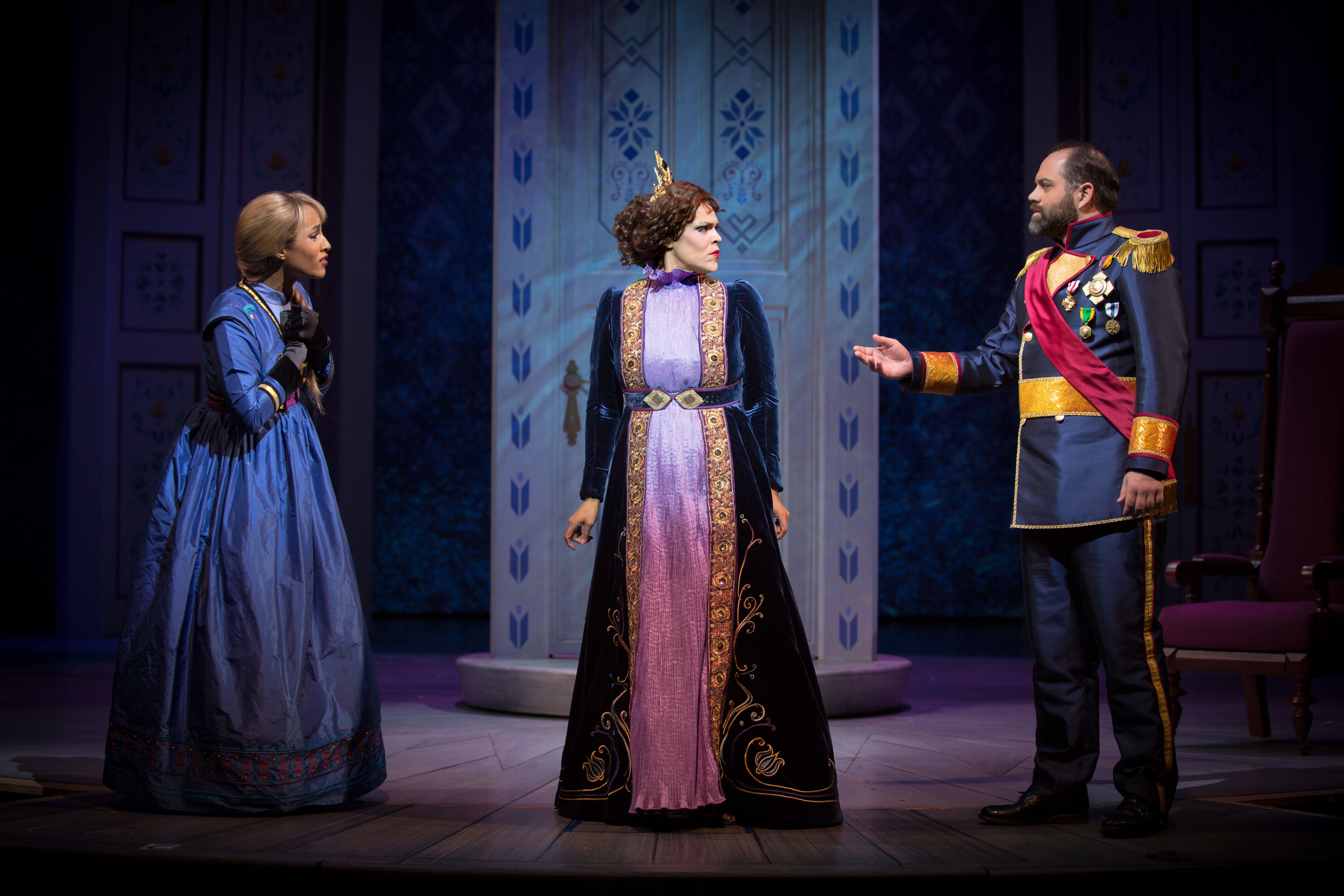 Disneyland Color Blind Cast Their New Frozen Quot Musical