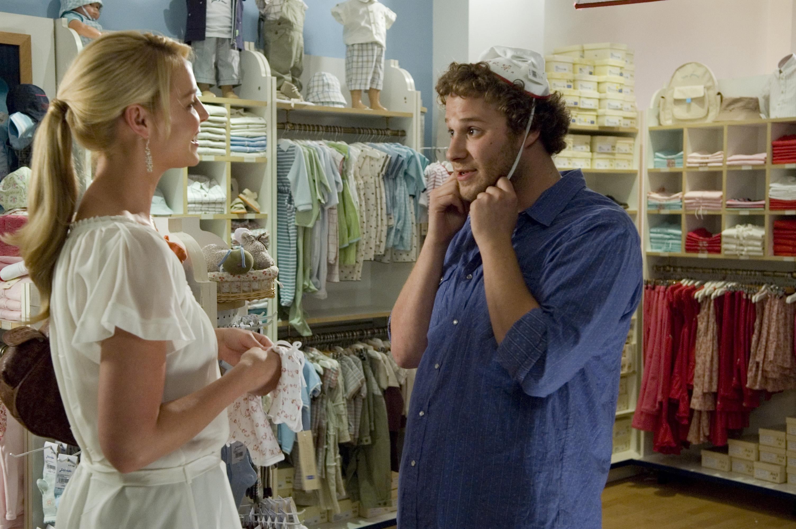 Alison Scott (KATHERINE HEIGL) and Ben Stone (SETH ROGEN) shop for baby gear in ?Knocked Up?, a comedy about the best thing that will ever ruin your best-laid plans: parenthood.