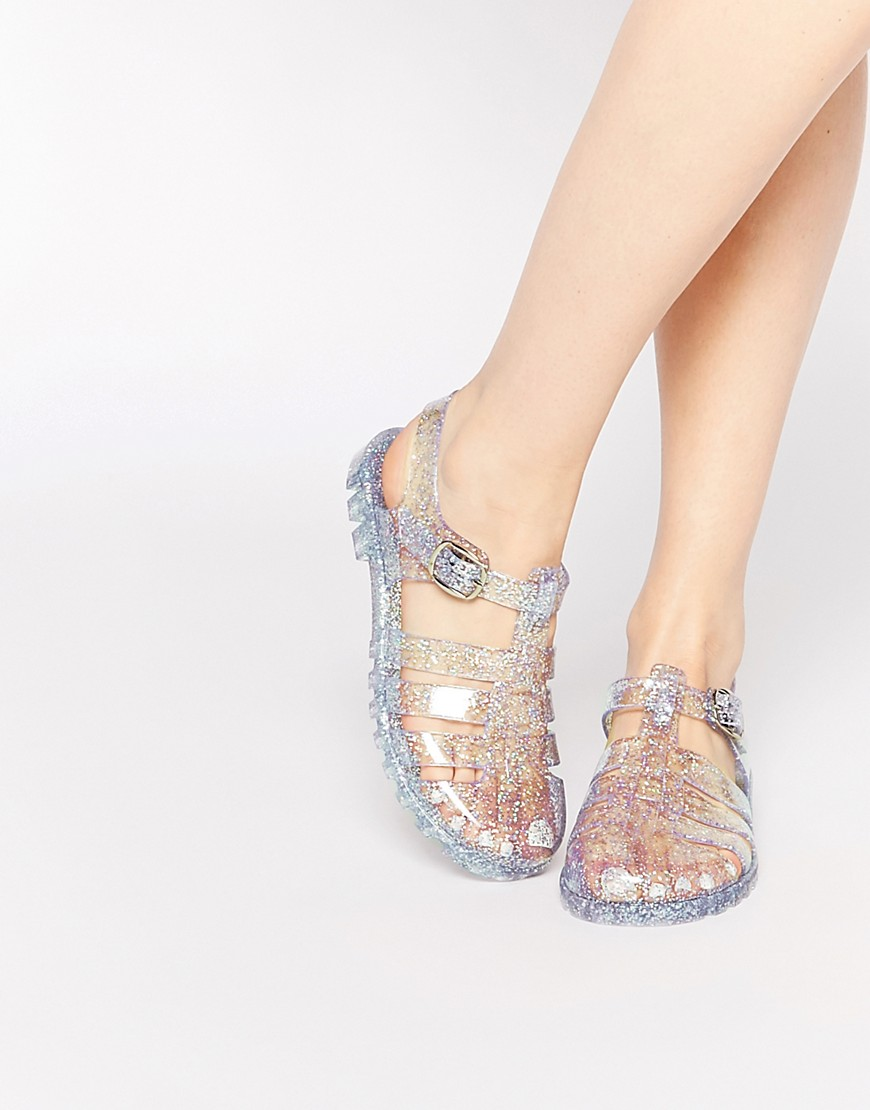 cdfbb0685209 Jelly sandals are back and here s where to get them - HelloGiggles