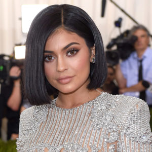 Kylie Jenner looks absolutely radiant in this makeup free selfie