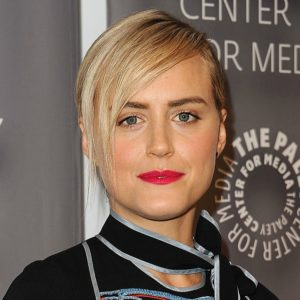 """""""OITNB's"""" Taylor Schilling just got super real about her love life"""