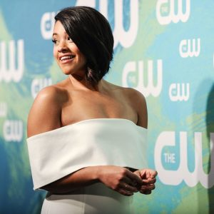 Gina Rodriguez handles catcalling in the most hilarious way