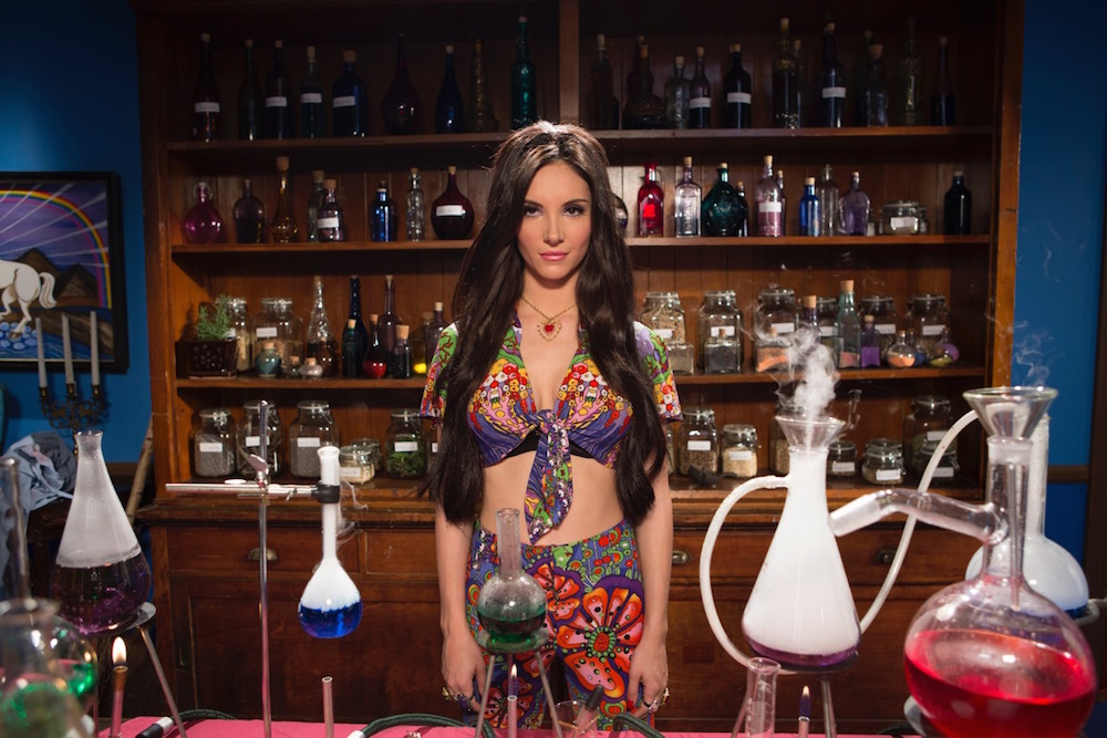 "The psychedelic costumes in ""The Love Witch"" prove that not all ...: hellogiggles.com/the-love-witch-costumes-anna-biller"